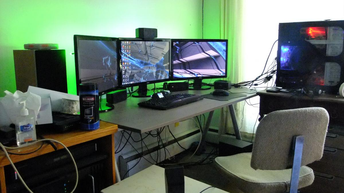 Computer desk setup ideas setting up my home office wfh for Best home office setup 2015